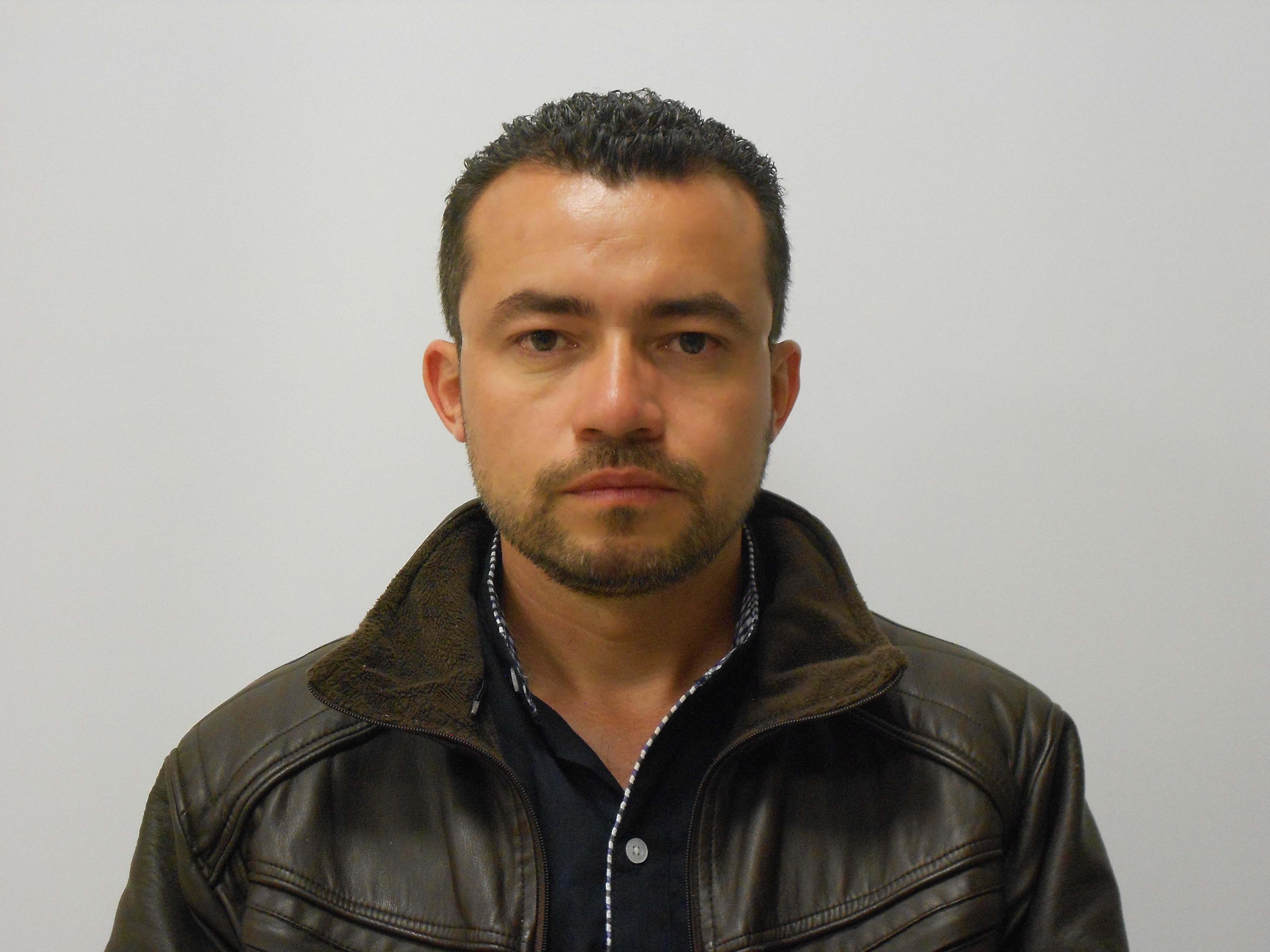 Cesar Efrain León Niño